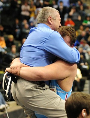 Lace 'em up: Albert Lea wrestlers take it to the mat at state